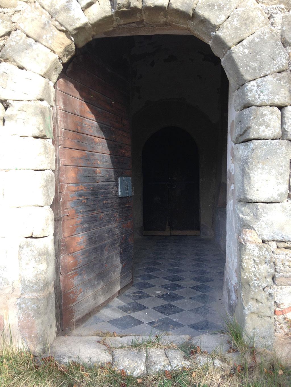 Porta d'accés esglèsia