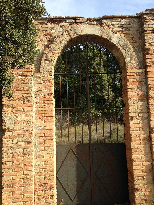 Porta d'accés església